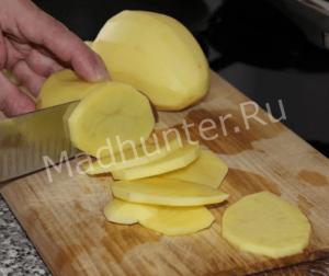 нарезаем картофель-min