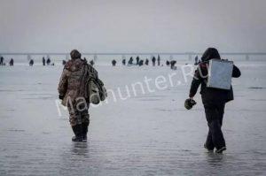 Спасатели смогли спасти 6 терпящих бедствие рыбаков, а также один снегоход