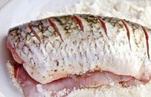 панируем рыбу-min