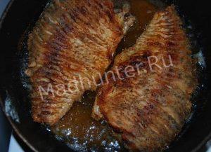 жарим рыбу-min