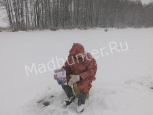 МЧСники по Брянской области провели рейд по безопасности с любителями зимней рыбалки