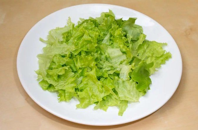 Салат с макаронами и рябчиками