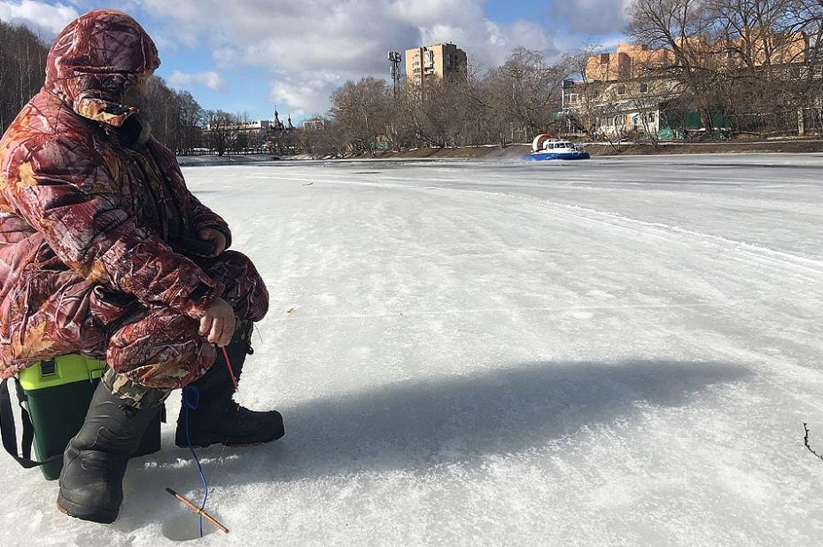 Раз лед тронулся, рыбак,– может пора сматывать удочки