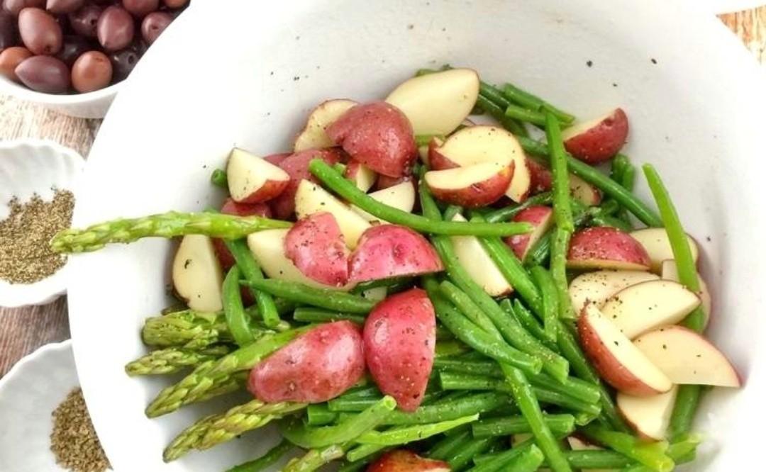 Теплая закуска из овощей и мясо перепела