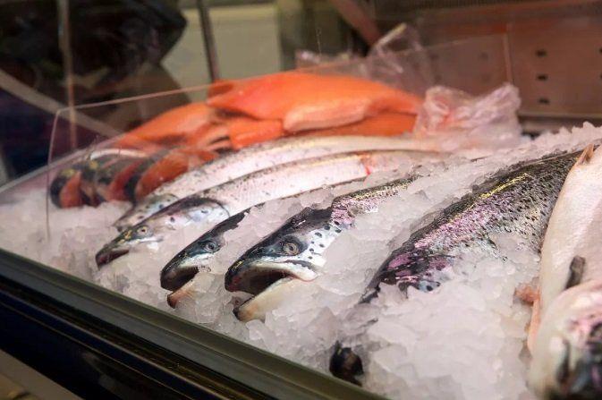 10 суток ареста продавщице за свою рыбу