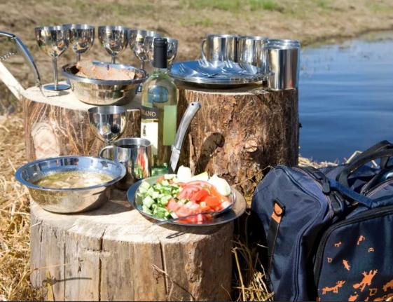 Продукты питания не зря стали одним из первых пунктов нашей памятки. Ведь рыбалка с ночевкой где-то вдали от цивилизации – дело не просто. Никогда не знаешь заранее, что тебе может