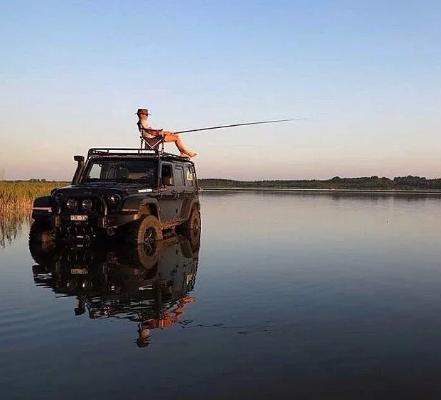 Во время рыбалки паркуй автомобиль правильно, а то штраф нарыбачишь!