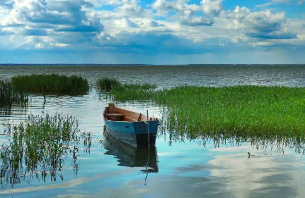 «Нива» завезла рыбаков в реку Чусовая