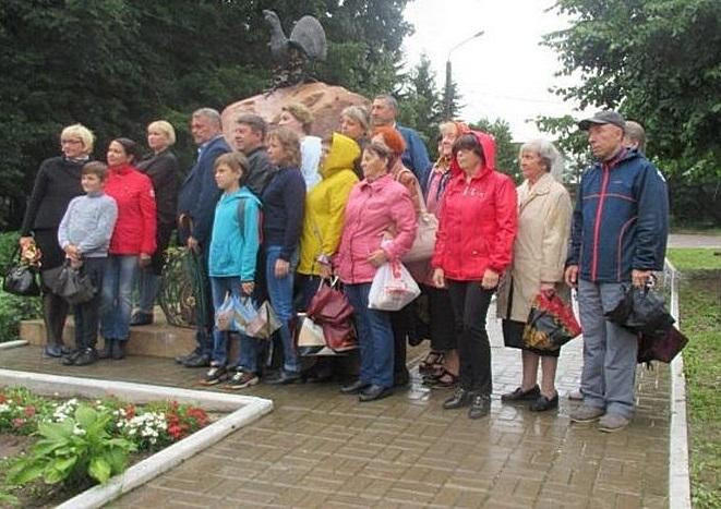 Памятник глухаря установили в Калужской области