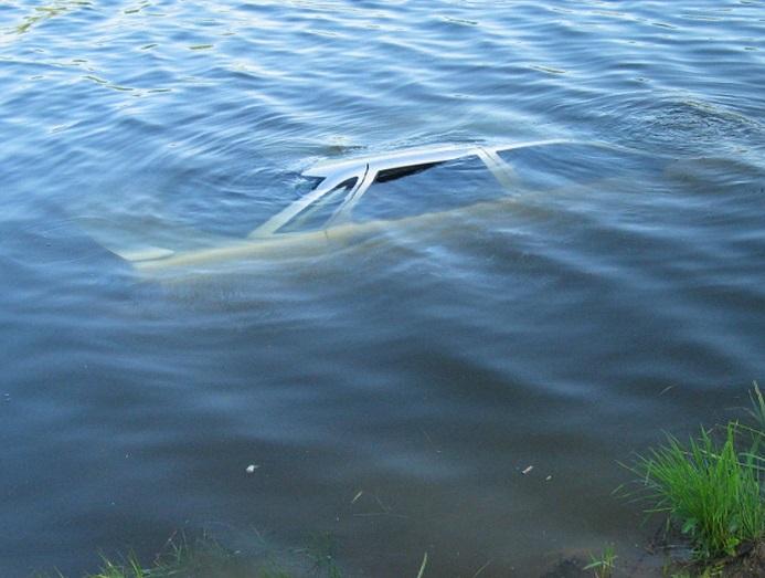 Рыбалка закончилась обидой автомобиля на своего хозяина