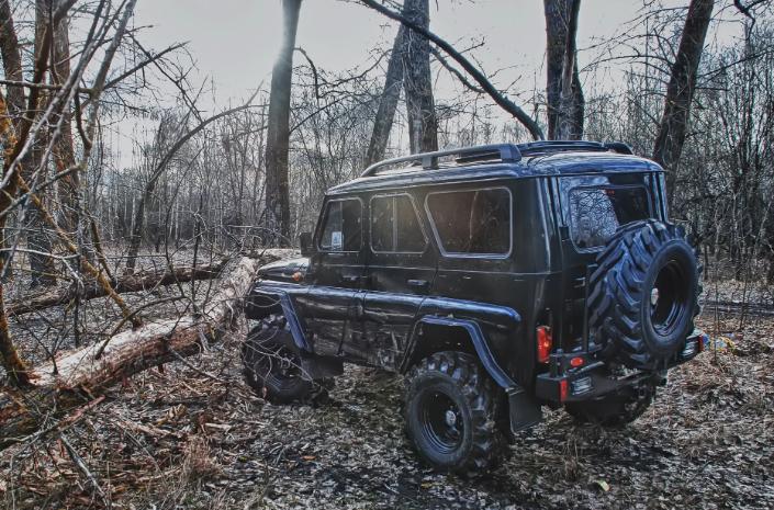 Открытие сезона охота началось с обстрела автомобиля охотников