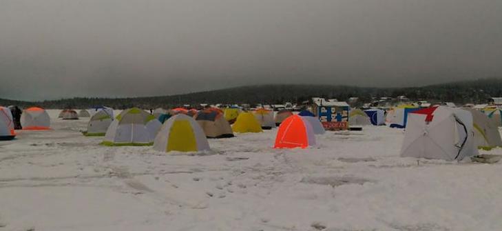 Зимняя рыбалка в Мурманске уже в самом разгаре