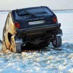 Первая машина, которая утонула этой зимой