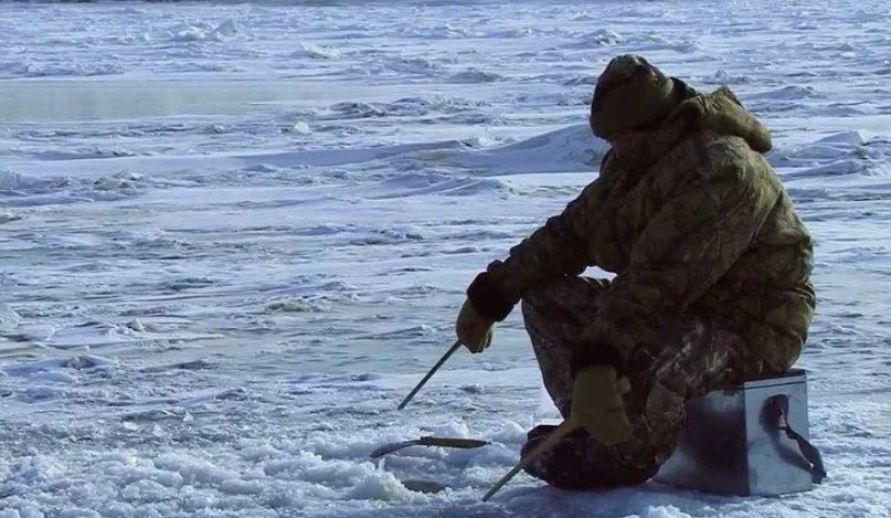 Сон во время рыбалки зимой чреват неприятными последствиями