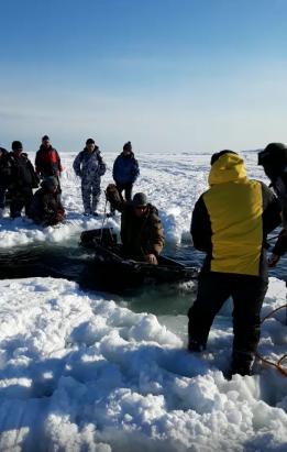 Рыбаки на Сахалине снова плавают на оторвавшейся льдине