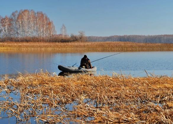 Рыбак из Башкирии выпал из лодки и погиб