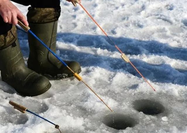 Рыбакам из Перми спасатели напомнил правила нахождения на льду