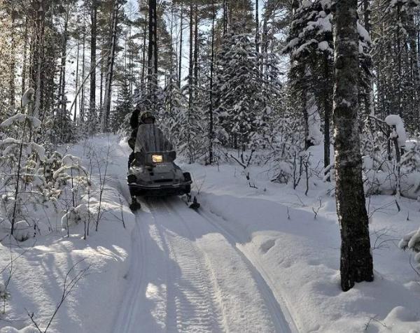 Охотники выбрались из снежного плена благодаря спасателям