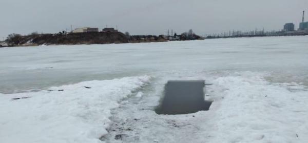 В Рязанской области лед не смог выдержать двух рыбаков