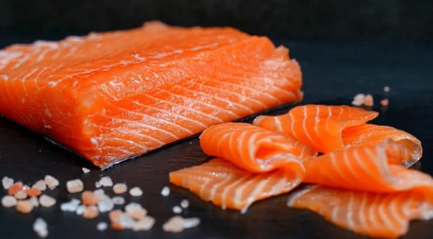 Красная рыба скоро станет доступной для добычи для магаданских рыбаков