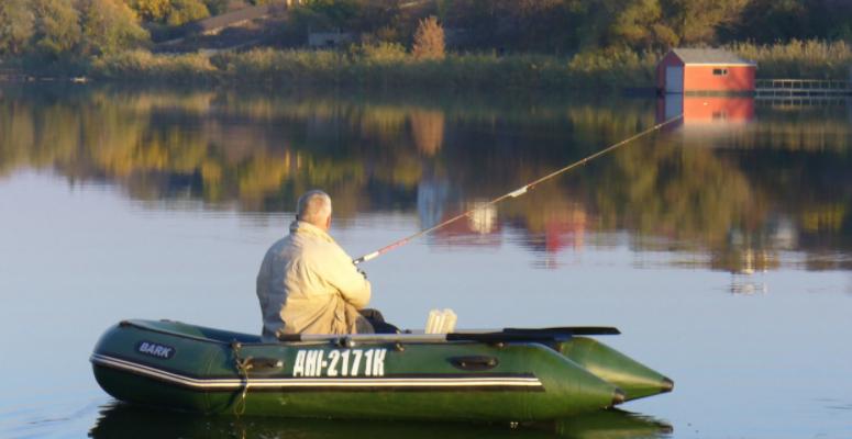 Безопасная рыбалка на лодке. Каким правилам необходимо следовать